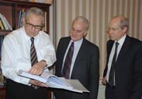 (L-R) Yalcin Ayasli, Amb.Ricciardone, CG Kilner at the Istanbul office library